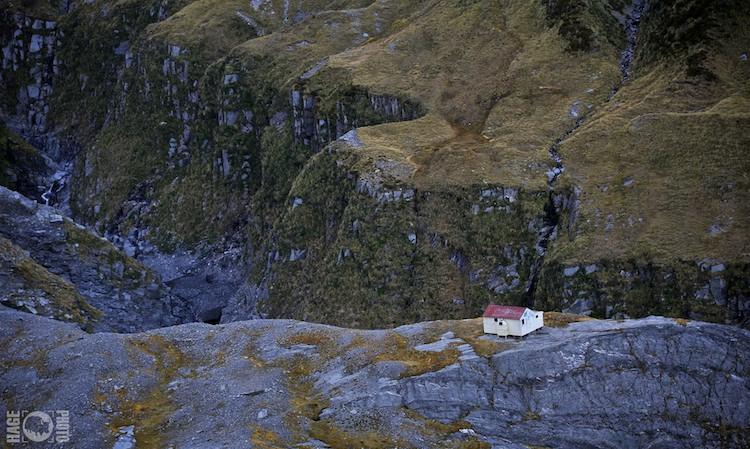 NZLHK20140404-2404-WM